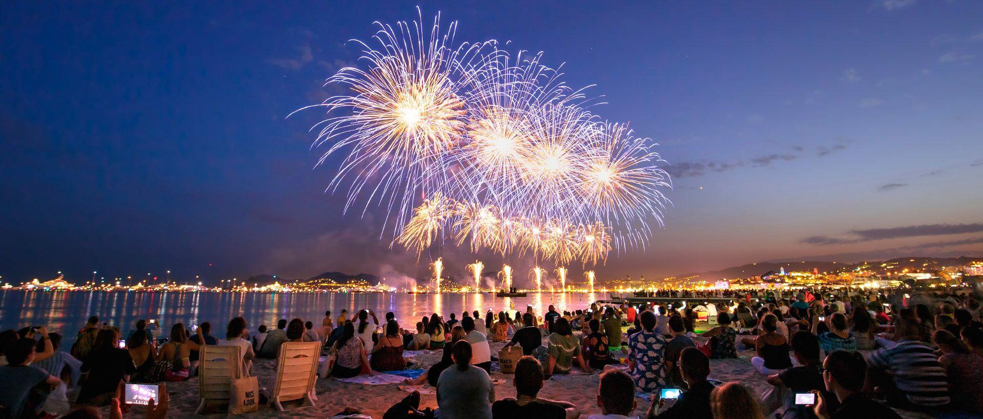 Camping Feuerwerksfestival in Cannes