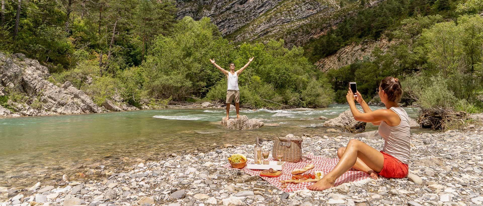 Rivière VS lac : quelle destination est faite pour vous ?